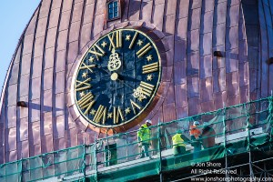 Dome clock and workers sm 7435-3