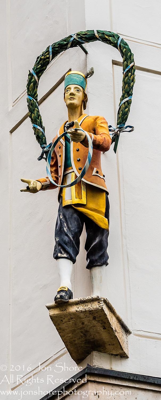 Corner Statue, Munich, Germany. Nikkor 200mm