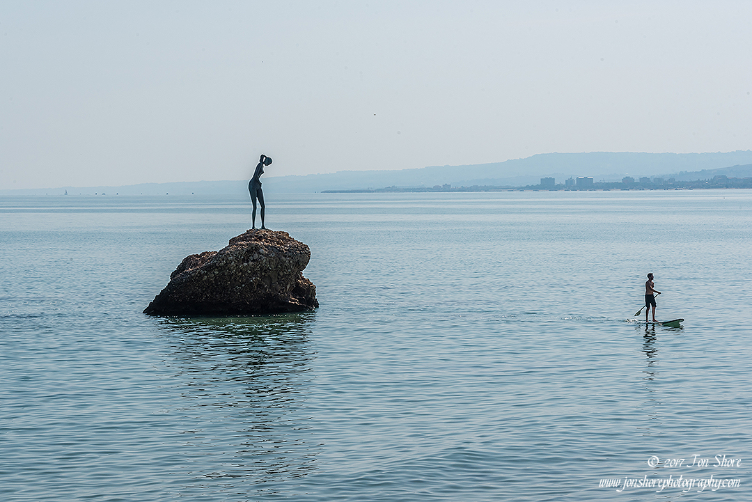 Statue and paddleboard Vasto Italy