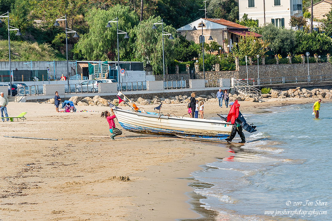 Preparing the fishing boat Vasto Italy